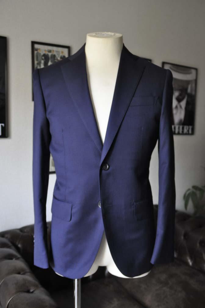 DSC12092 お客様のスーツの紹介-Biellesi 無地ネイビースーツ-