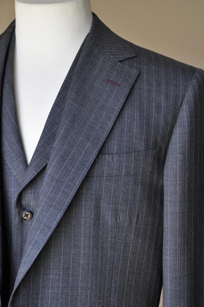 DSC12141 お客様のスーツの紹介-御幸毛織 グレーストライプ-