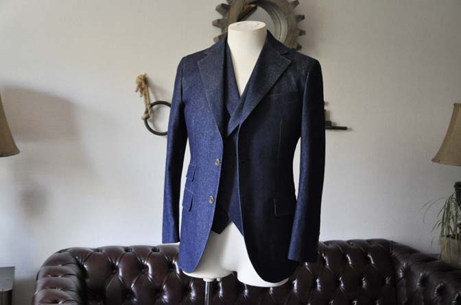 DSC1216-1 お客様のスーツの紹介- デニムスリーピーススーツ- 名古屋の完全予約制オーダースーツ専門店DEFFERT