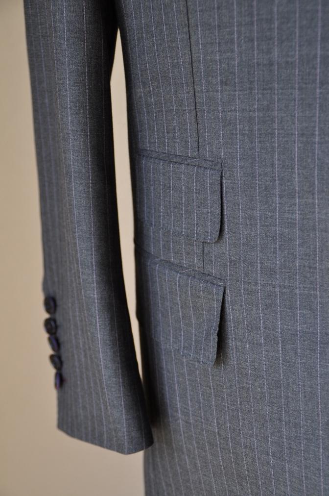DSC12211 お客様のスーツの紹介-御幸毛織 グレーストライプ-