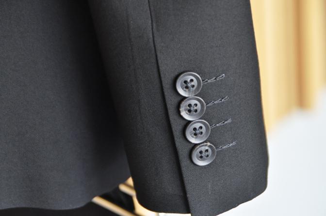DSC1222-5 オーダースーツの紹介-礼服-