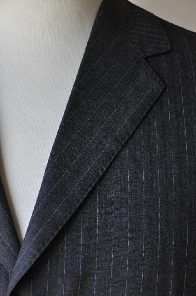 DSC1225 お客様のスーツの紹介-御幸毛織 グレーストライプ-