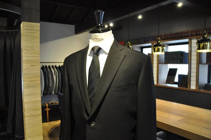 DSC1228-5 オーダースーツの紹介-礼服-