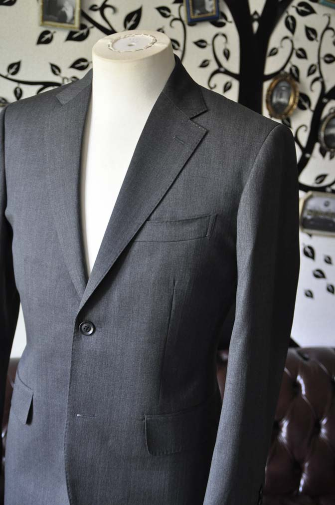 DSC1235-2 お客様のスーツの紹介-Biellesiグレースーツ-