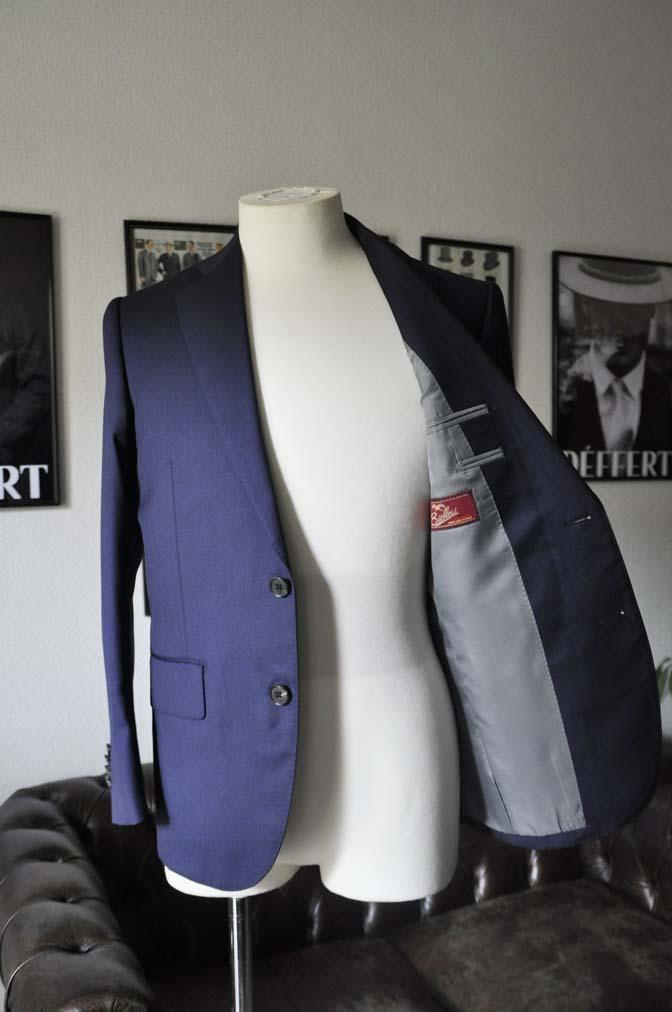 DSC1242 お客様のスーツの紹介-Biellesi 無地ネイビースーツ-