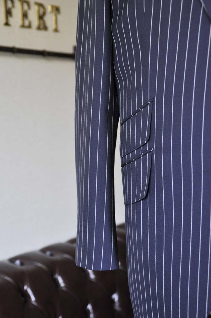 DSC1243-1 お客様のスーツの紹介- Biellesi ネイビーストライプ ダブルジレスリーピース-