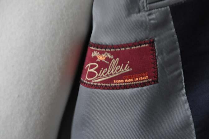 DSC1244 お客様のスーツの紹介-Biellesi 無地ネイビースーツ-