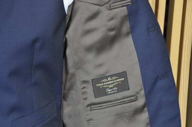 DSC1245-2 オーダースーツの紹介-CANONICO無地ネイビースーツ-