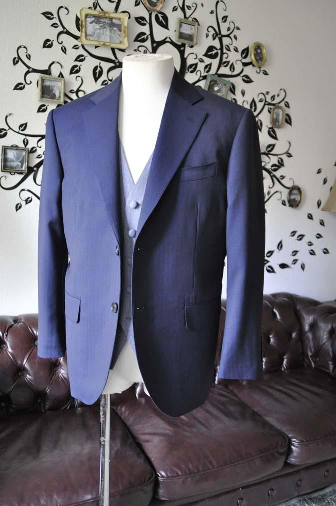 DSC1251-1 お客様のウエディング衣装の紹介- Biellesiネイビーヘリンボーンスーツ ライトブルー千鳥格子ベスト-