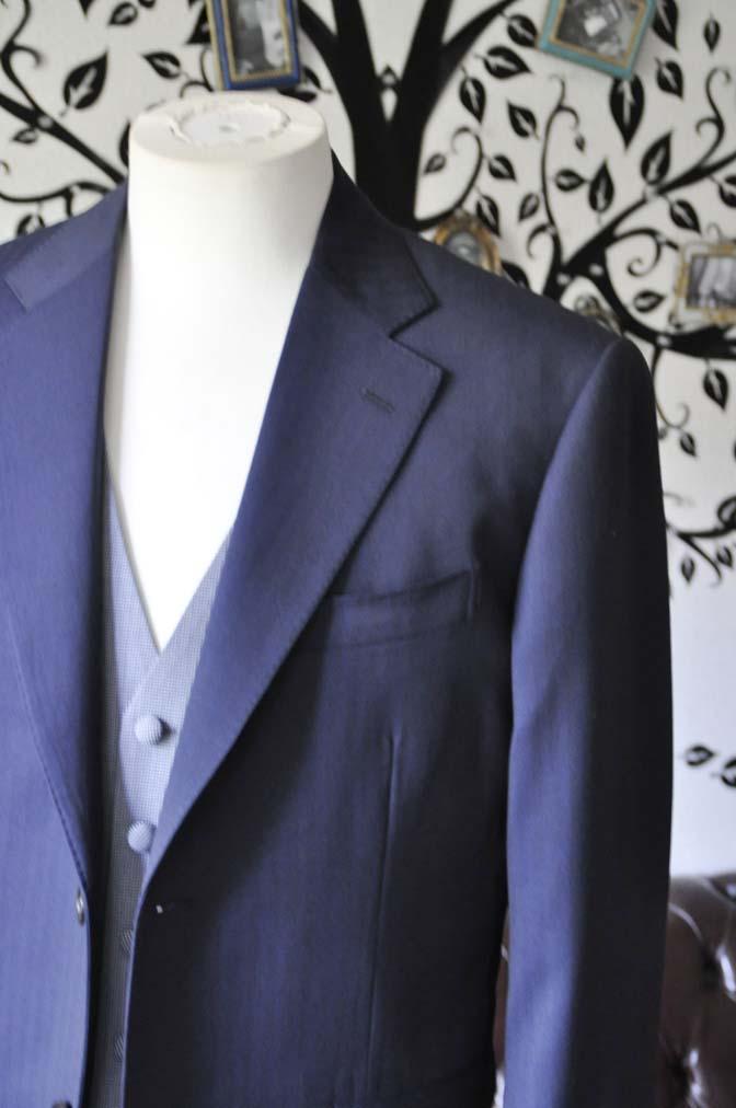 DSC1252-2 お客様のウエディング衣装の紹介- Biellesiネイビーヘリンボーンスーツ ライトブルー千鳥格子ベスト-