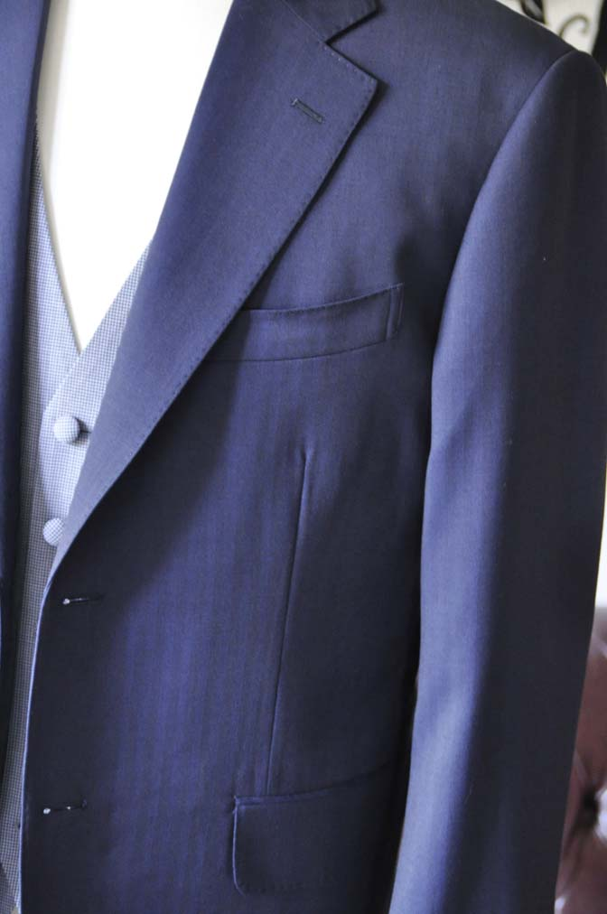 DSC1254-2 お客様のウエディング衣装の紹介- Biellesiネイビーヘリンボーンスーツ ライトブルー千鳥格子ベスト-