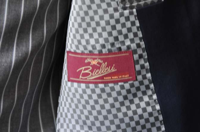 DSC1255-1 お客様のウエディング衣装の紹介- Biellesi ネイビースーツ グレーストライプベスト-DSC1255-1 お客様のウエディング衣装の紹介- Biellesi ネイビースーツ グレーストライプベスト- 名古屋市のオーダータキシードはSTAIRSへ