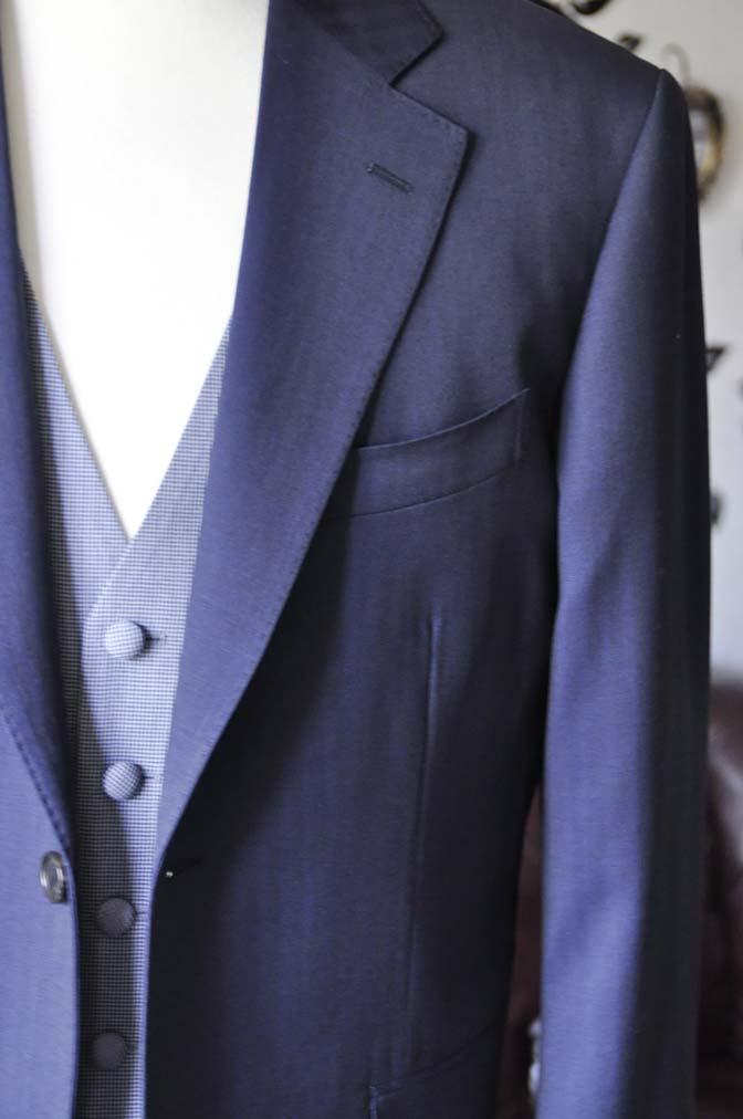 DSC1255-2 お客様のウエディング衣装の紹介- Biellesiネイビーヘリンボーンスーツ ライトブルー千鳥格子ベスト-