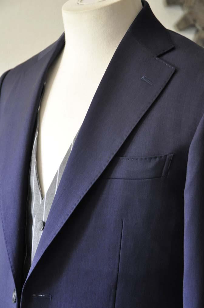 DSC1256-1 お客様のウエディング衣装の紹介- Biellesi ネイビースーツ グレーストライプベスト-DSC1256-1 お客様のウエディング衣装の紹介- Biellesi ネイビースーツ グレーストライプベスト- 名古屋市のオーダータキシードはSTAIRSへ