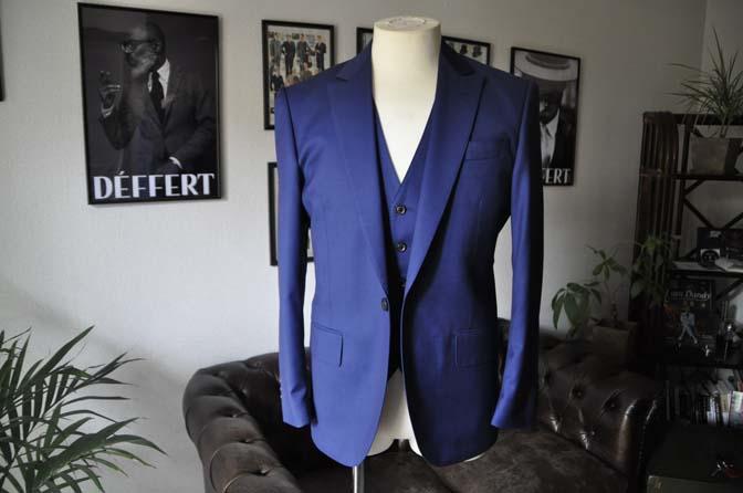 DSC12561 お客様のスーツの紹介-Biellesi 無地ネイビースリーピース-