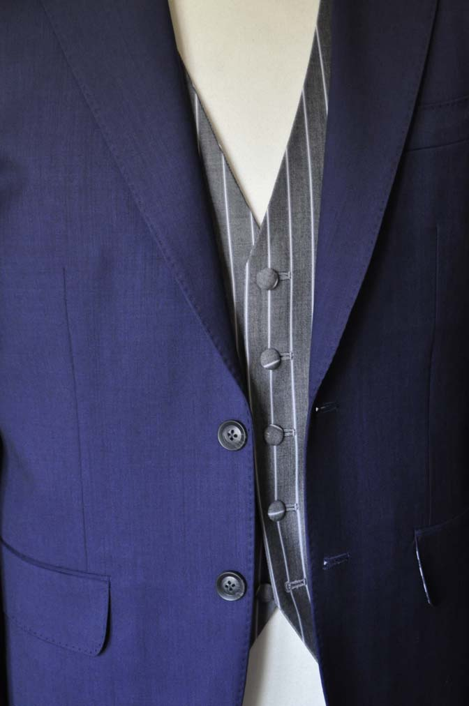DSC1257-1 お客様のウエディング衣装の紹介- Biellesi ネイビースーツ グレーストライプベスト-DSC1257-1 お客様のウエディング衣装の紹介- Biellesi ネイビースーツ グレーストライプベスト- 名古屋市のオーダータキシードはSTAIRSへ