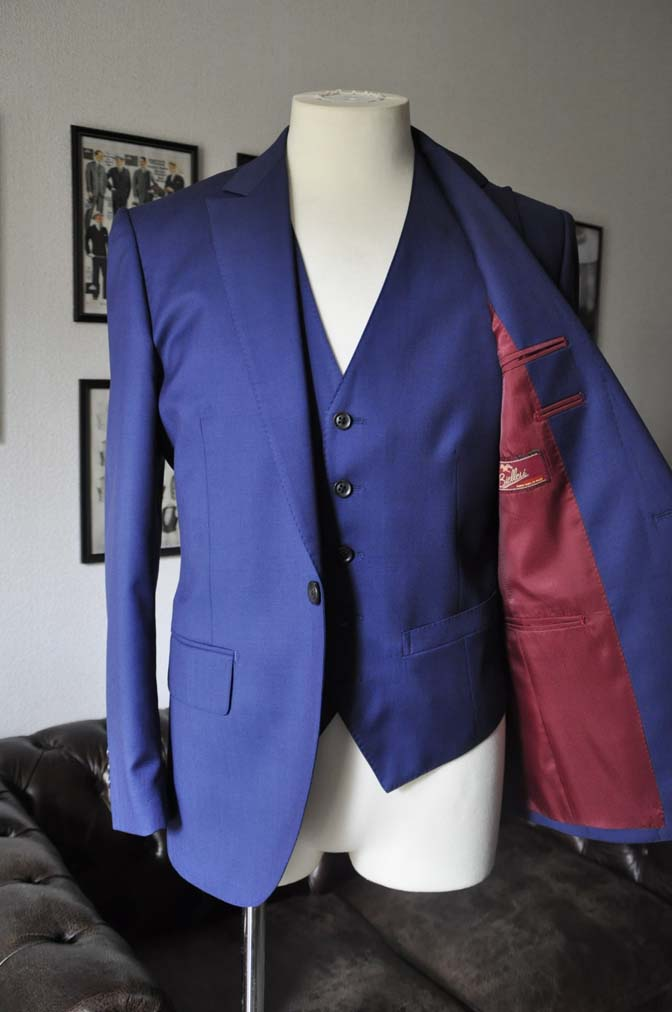 DSC12581 お客様のスーツの紹介-Biellesi 無地ネイビースリーピース-