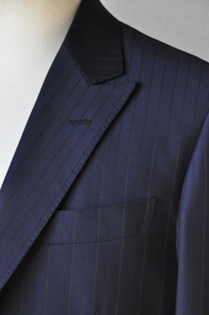DSC1260 お客様のスーツの紹介-Biellesi ネイビーストライプ スリーピース-