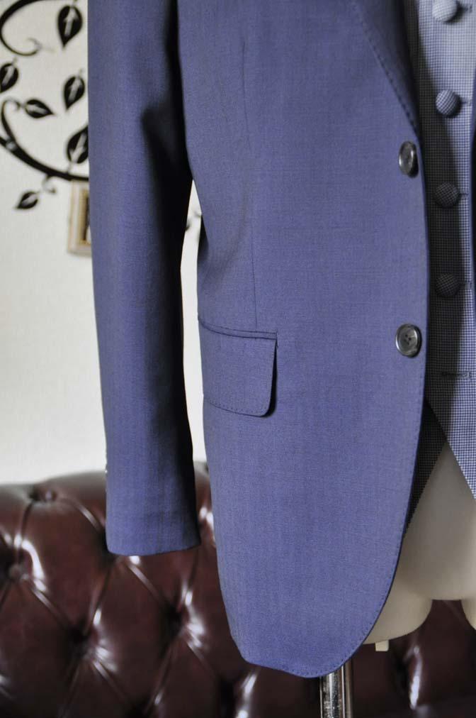 DSC1261-1 お客様のウエディング衣装の紹介- Biellesiネイビーヘリンボーンスーツ ライトブルー千鳥格子ベスト-