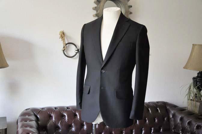 DSC1262-2 お客様のスーツの紹介-無地ブラックスーツ-