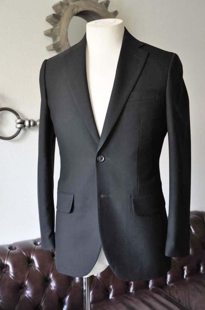 DSC1263-2 お客様のスーツの紹介-無地ブラックスーツ-