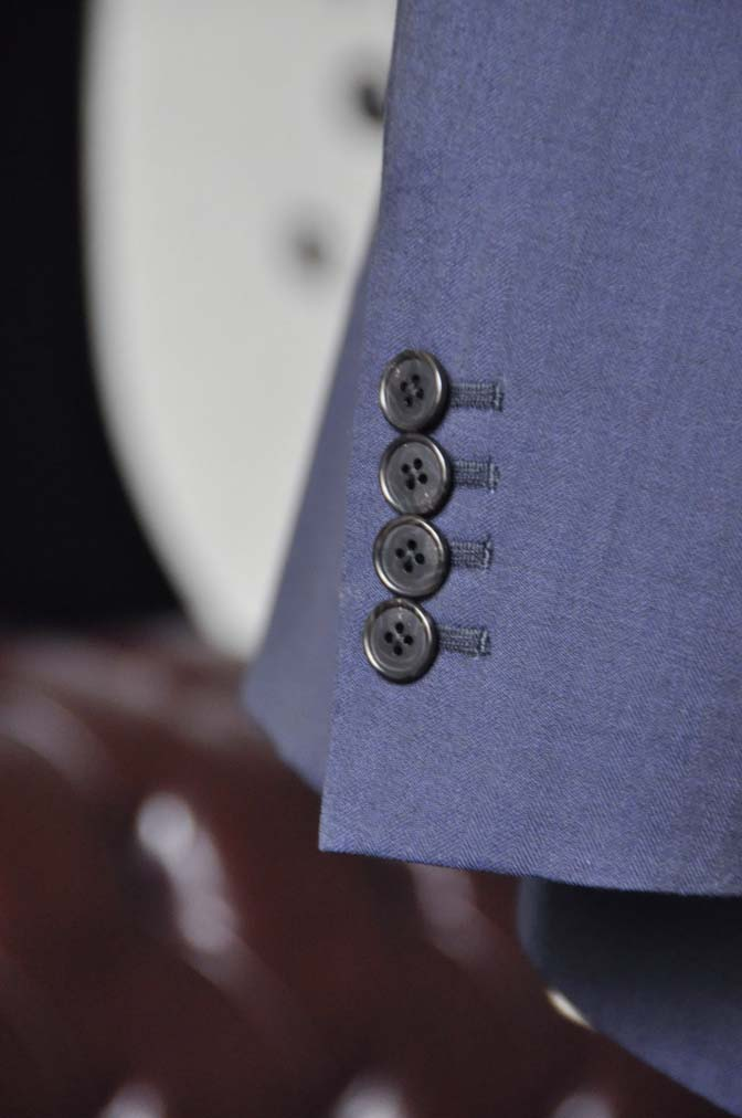 DSC1266-3 お客様のウエディング衣装の紹介- Biellesiネイビーヘリンボーンスーツ ライトブルー千鳥格子ベスト-