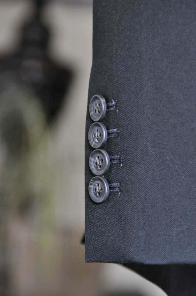 DSC1267-1 お客様のスーツの紹介-無地ブラックスーツ-