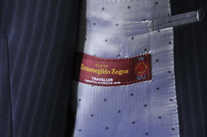 DSC1274 お客様のスーツの紹介- Ermenegild Zegna ネイビーストライプスリーピース-