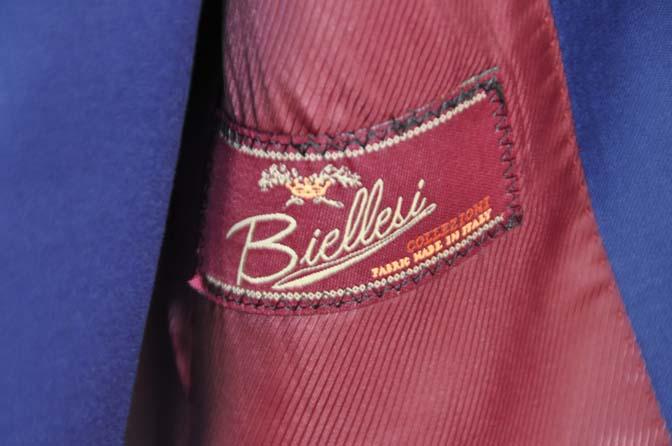 DSC12762 お客様のスーツの紹介-Biellesi 無地ネイビースリーピース-
