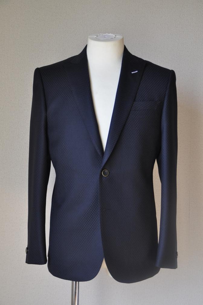 DSC12771 お客様のスーツの紹介-DORMEUIL KRONO ネイビースーツ-