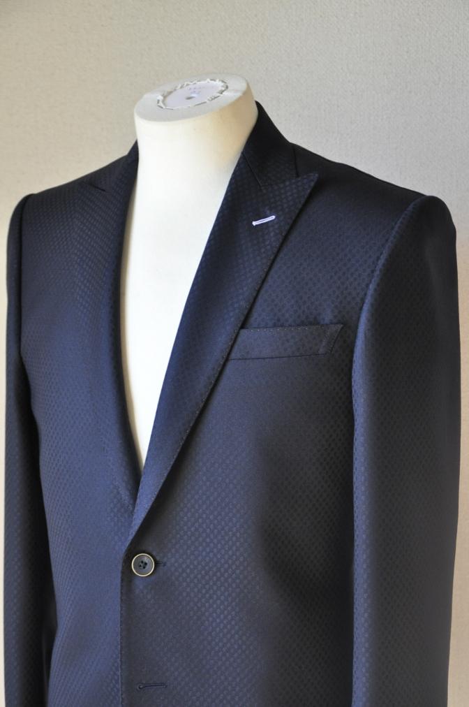 DSC12781 お客様のスーツの紹介-DORMEUIL KRONO ネイビースーツ-