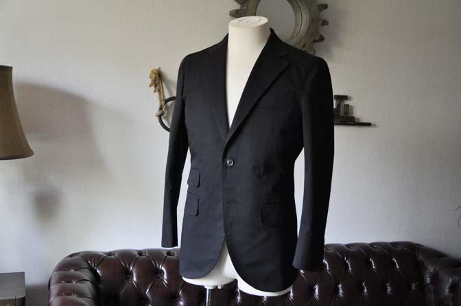 DSC1284-1 お客様のスーツの紹介- Larusmiani ブラックコットンスーツ-