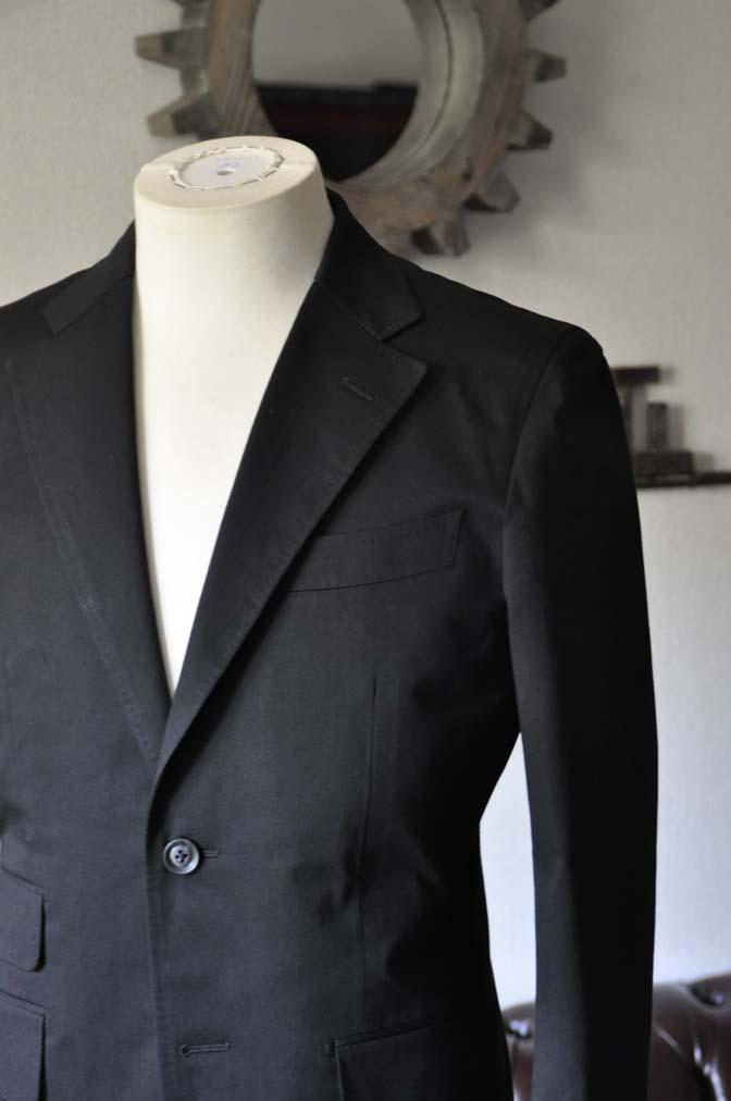 DSC1286-1 お客様のスーツの紹介- Larusmiani ブラックコットンスーツ-