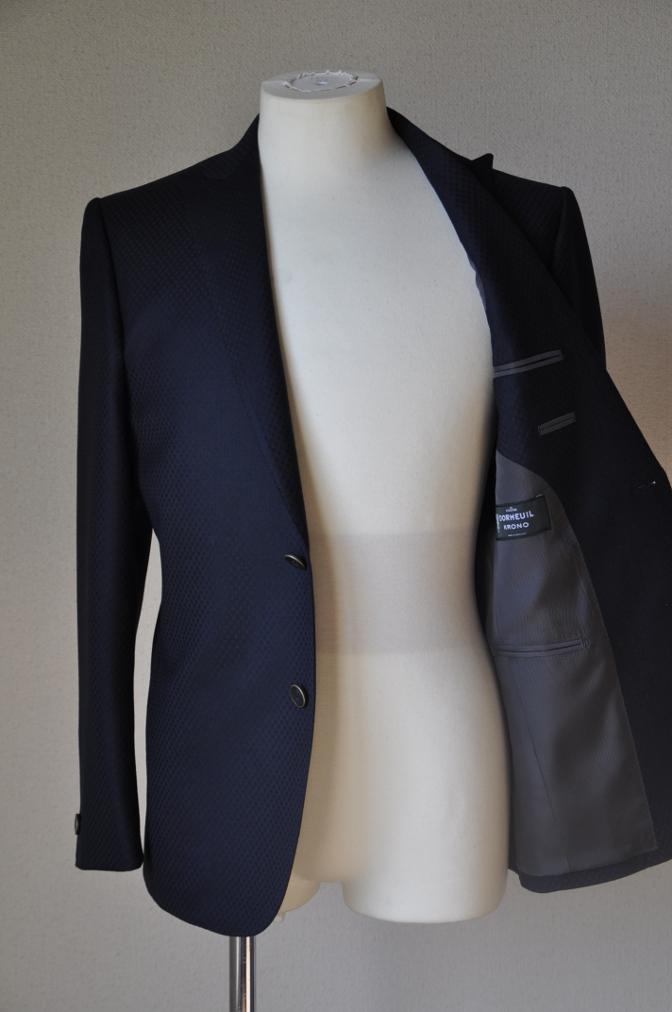 DSC12861 お客様のスーツの紹介-DORMEUIL KRONO ネイビースーツ-