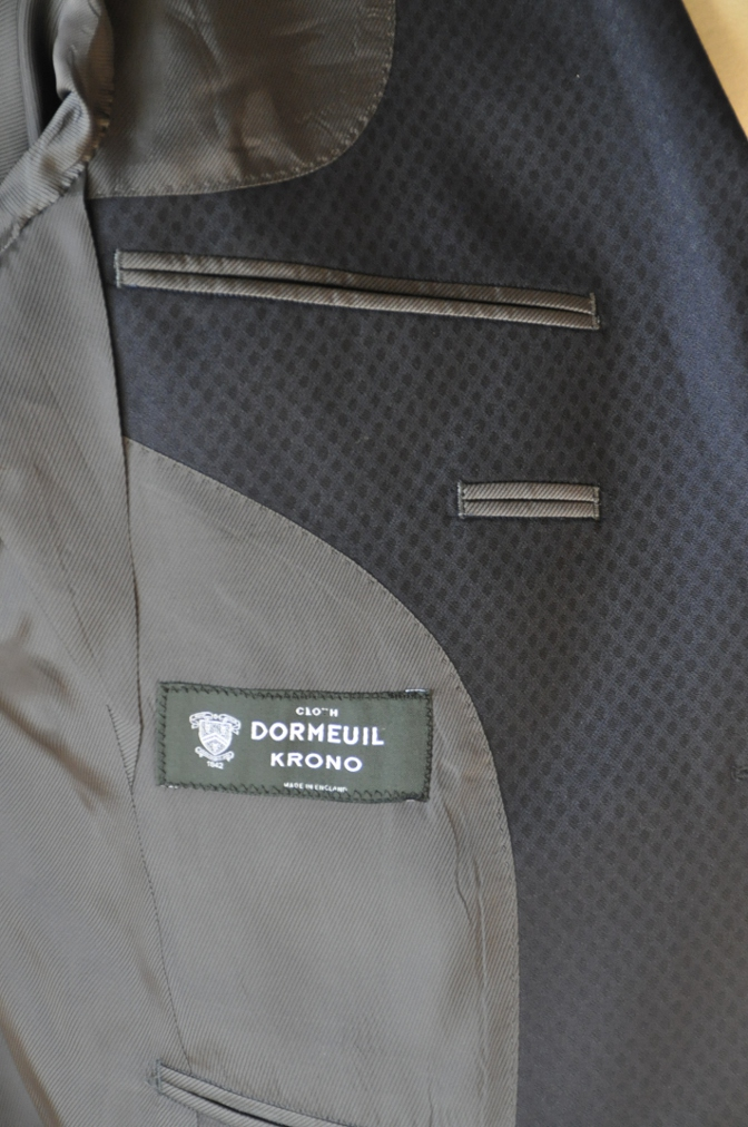 DSC12881 お客様のスーツの紹介-DORMEUIL KRONO ネイビースーツ-