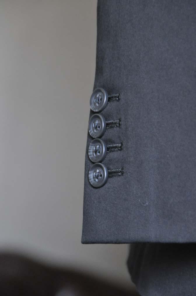 DSC1289-1 お客様のスーツの紹介- Larusmiani ブラックコットンスーツ-