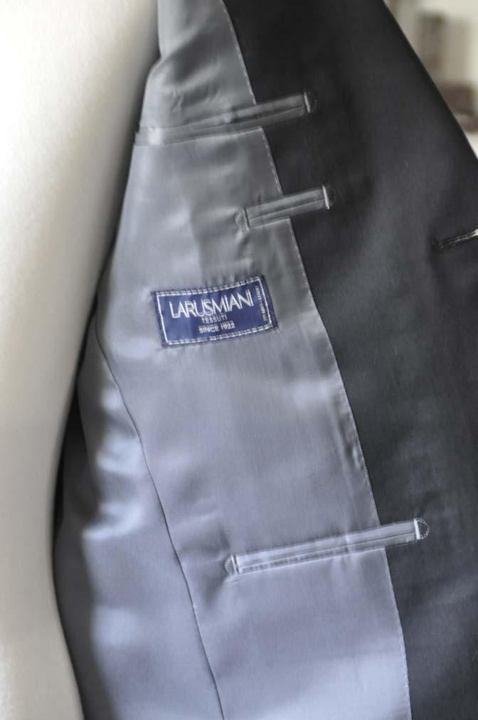 DSC1291-1 お客様のスーツの紹介- Larusmiani ブラックコットンスーツ-