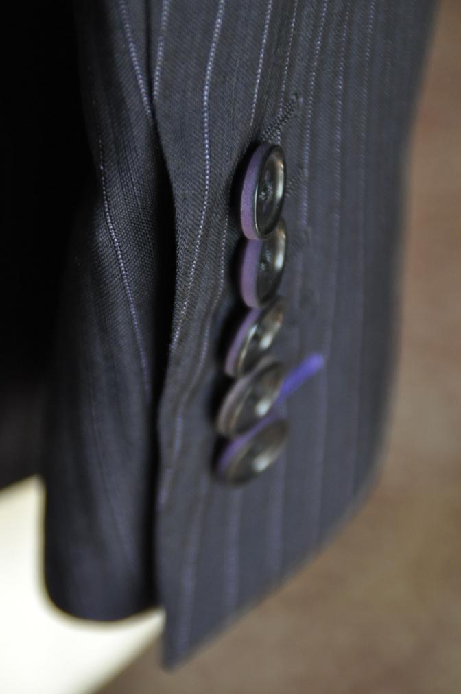 DSC1291 お客様のスーツの紹介-ネイビーストライプ-