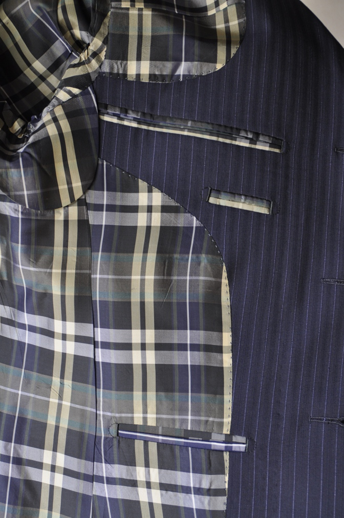 DSC1292 お客様のスーツの紹介-ネイビーストライプ-