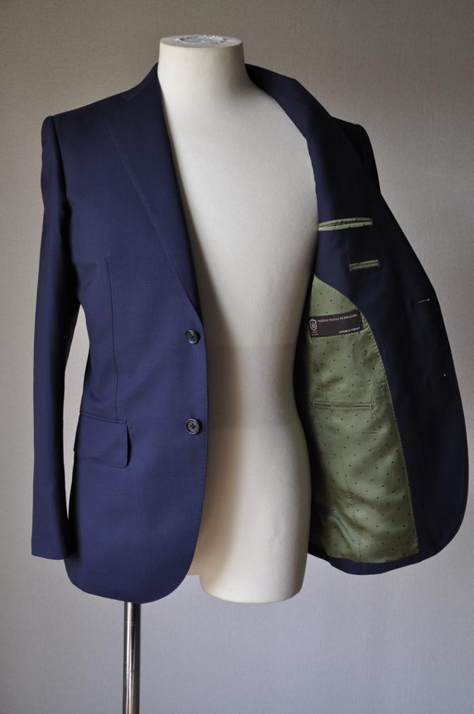 DSC1296 お客様のスーツの紹介-TALLIA DI DELFINO ネイビースーツ-