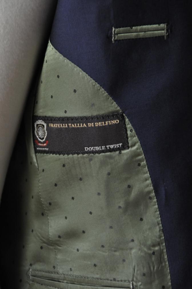 DSC1297 お客様のスーツの紹介-TALLIA DI DELFINO ネイビースーツ-