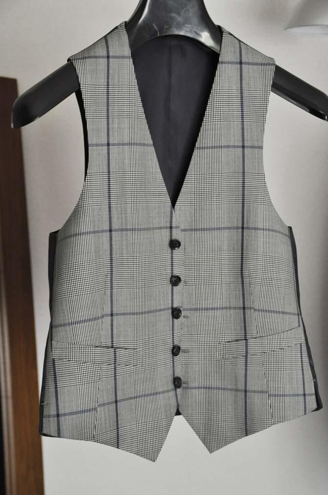 DSC1298 お客様のウエディング衣装の紹介-Biellesi無地ネイビー グレンチェックベスト-