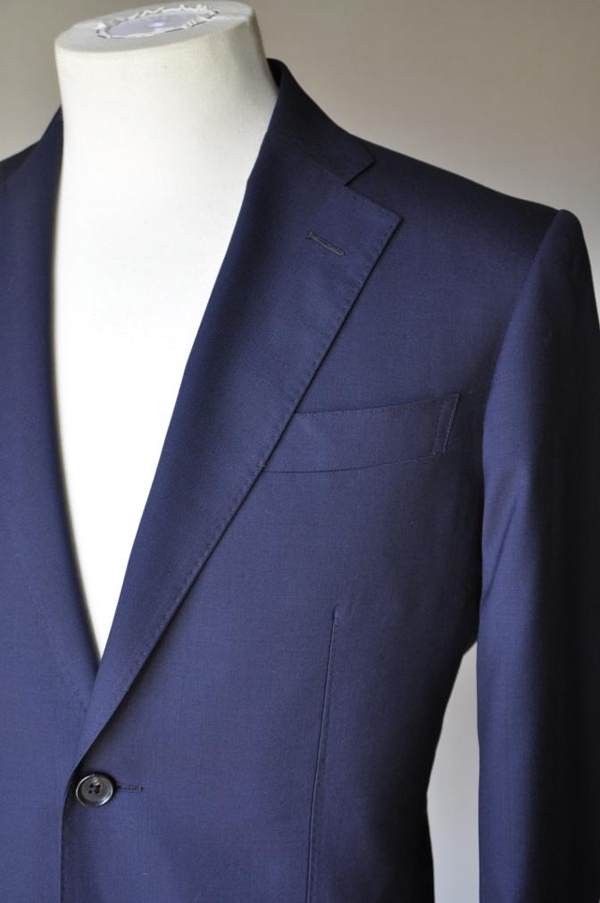 DSC1300 お客様のスーツの紹介-TALLIA DI DELFINO ネイビースーツ-