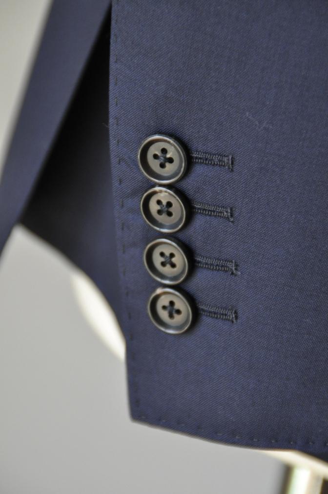 DSC1306 お客様のスーツの紹介-TALLIA DI DELFINO ネイビースーツ-