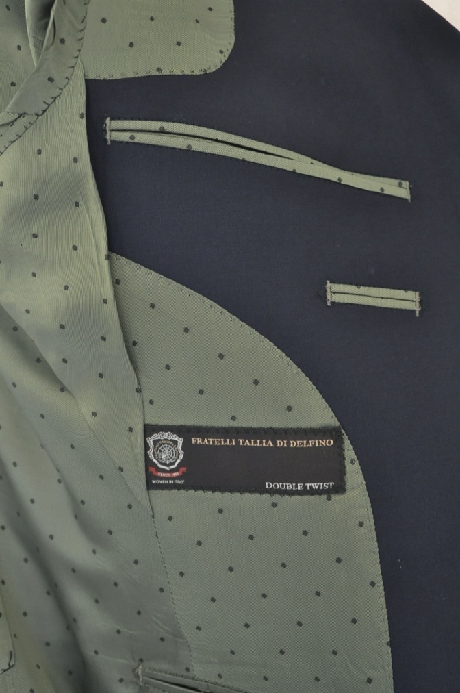 DSC1308 お客様のスーツの紹介-TALLIA DI DELFINO ネイビースーツ-