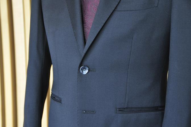 DSC1309-1 オーダースーツの紹介-Biellesiブラックスーツ- 名古屋の完全予約制オーダースーツ専門店DEFFERT