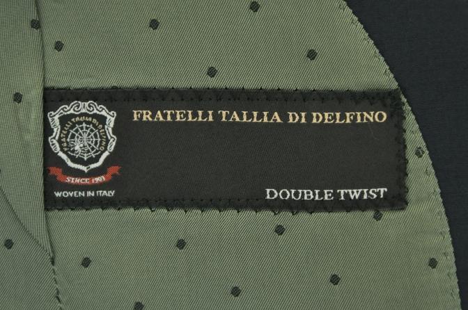 DSC1309 お客様のスーツの紹介-TALLIA DI DELFINO ネイビースーツ-