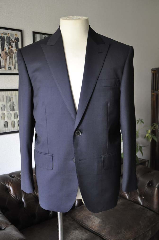 DSC13091 お客様のスーツの紹介- Biellesi 無地ネイビースーツ-