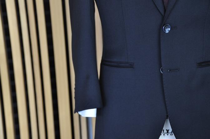 DSC1310-1 オーダースーツの紹介-Biellesiブラックスーツ- 名古屋の完全予約制オーダースーツ専門店DEFFERT