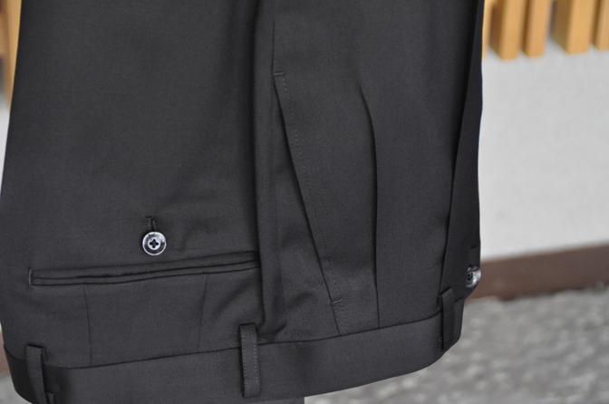 DSC1313-1 オーダースーツの紹介-Biellesiブラックスーツ- 名古屋の完全予約制オーダースーツ専門店DEFFERT